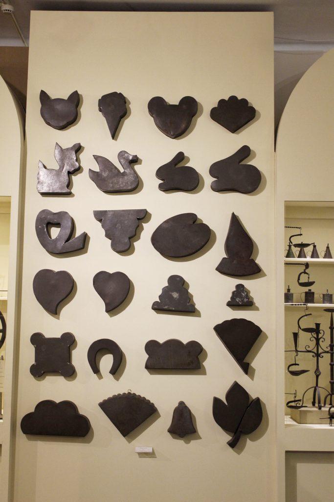 Formas de bolos, em ferro